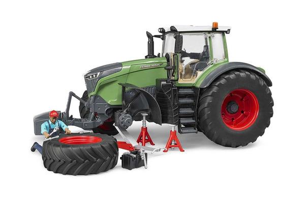 bruder tovornjaki traktorji son ek prva otro ka. Black Bedroom Furniture Sets. Home Design Ideas
